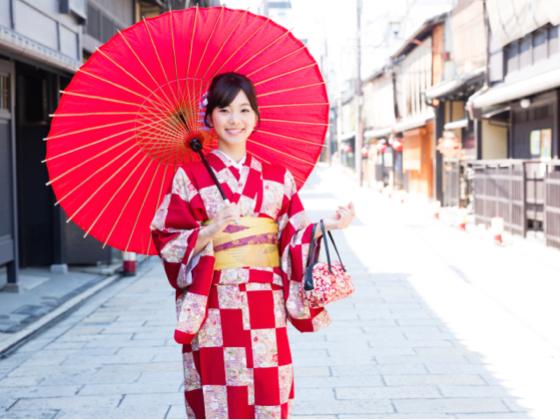 京都の町家通りの美女