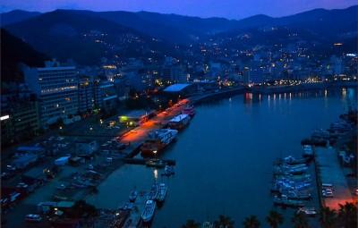熱海の港の夜景